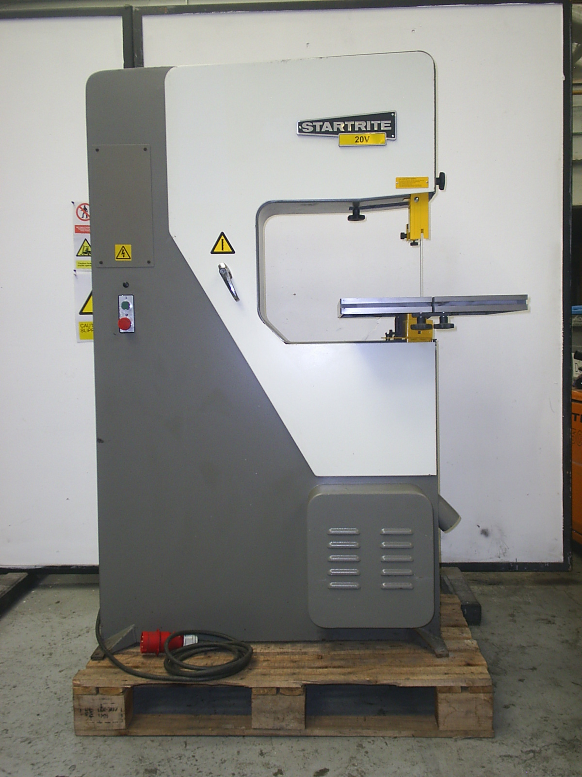 Used Startrite 20v Vertical Band saw in great condition, fully serviced, 3  months warranty on non consumable items, £2750 ex works + VAT, ...